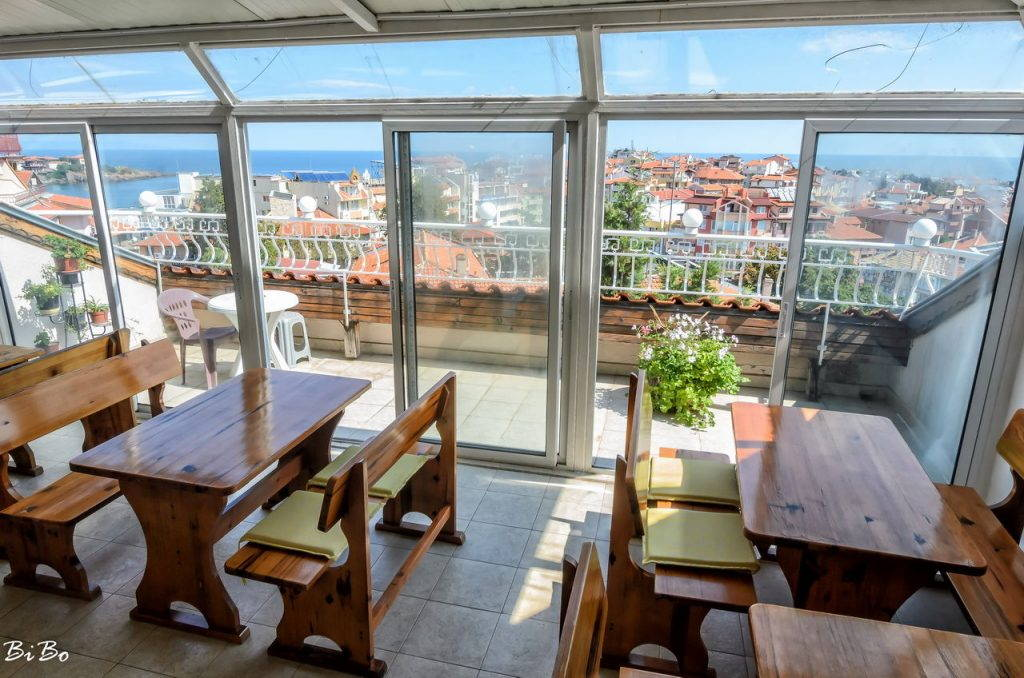 The common dining room with a sea view